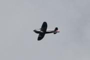 Morten 8 august 2021 - Van's Aircraft over Høyenhall, og nå viser han seg frem, men der er det bare tre striper