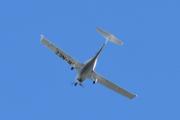 Morten 12 juni 2021 - LN-NEZ besøker oss igjen på Høyenhall, Diamond Aircraft DA40-D prøver seg fra en annen vinkel, men jeg er klar
