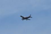Morten 12 juni 2021 - Piper over Høyenhall, jeg tror det er LN-MAT og da er det en Piper PA-34-200T Seneca II