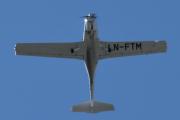 Morten 13 juni 2021 - LN-FTM på besøk rett over Høyenhall, jeg sier ikke mer, piloten og jeg er drit gode :-)