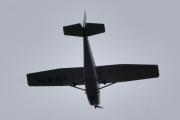 Morten 13 juni 2021 - LN-MTH kommer igjen over Høyenhall, Cessna 172N Skyhawk fra Skøyen prøver seg på en annen vinkel, men jeg er der