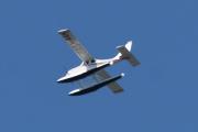 Morten 5 juni 2021 - LN-AAN over Høyenhall, neste fly som kommer er et sjøfly av typen Stoddard-Hamilton Glastar GS-1