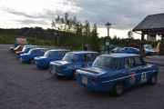 Fredag - 5 blå Renault 8 ser jeg på dette bilde og alle er svenske