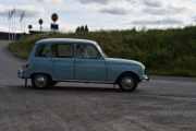 Fredag - En norsk bil ankommer og vi vet så godt hvem det er i sin Renault 4