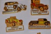 Renault, old cars 8 metal pin